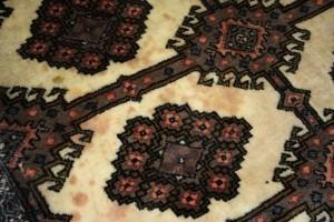 Flecken im Teppich